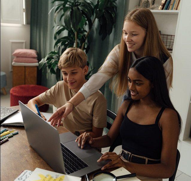 Ayuda a tus hijos con educación de vanguardia, explora las actividades extraescolares con Flipped Classroom